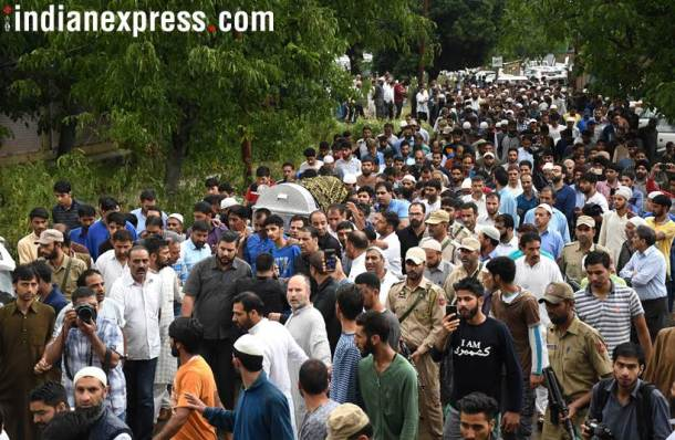 Thousands attend funeral as journalist Shujaat Bukhari laid to rest