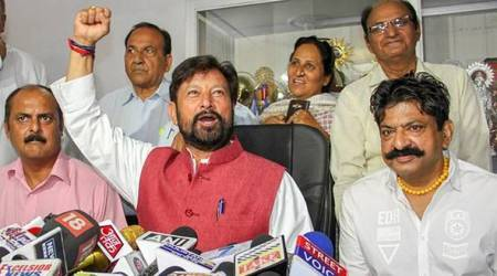 Draw a line or face the fate of Shujaat Bukhari: BJP leader Lal Singh warns Kashmiri journalists