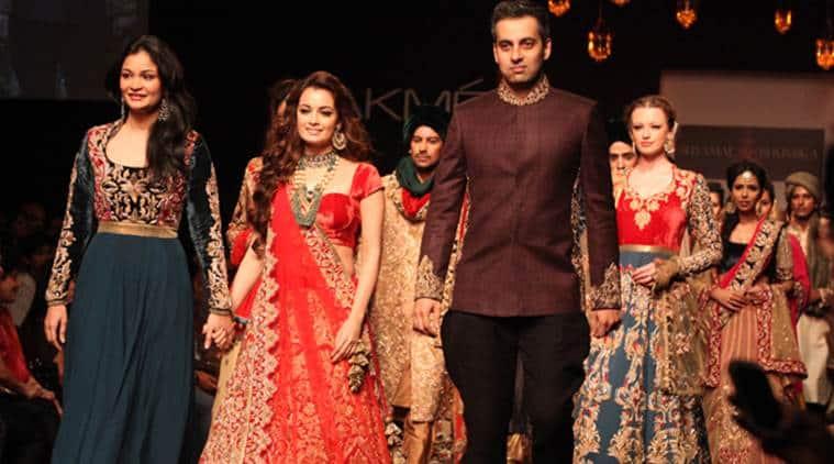 shyamal bhumika, dia mirza, bollywood fashion, jacqueline fernandez, kareen akapoor, embroidery, Indian Express, Indian Express news