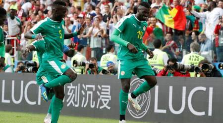 Senegal punish Poland for errors to win 2-1