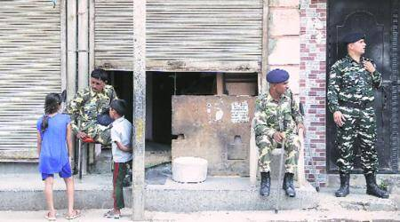 Clashes rock Model Town, policedeployed