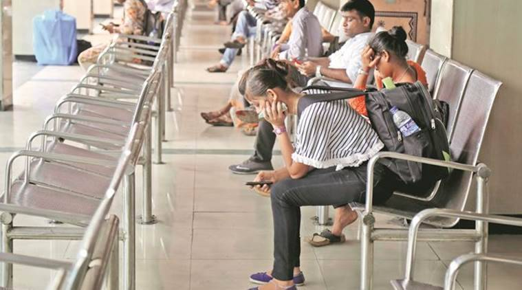 msrtc bus service, mumbai strike, mumbai commuters, mumbai staffers flash strike, indian express, mumbai commuters stranded