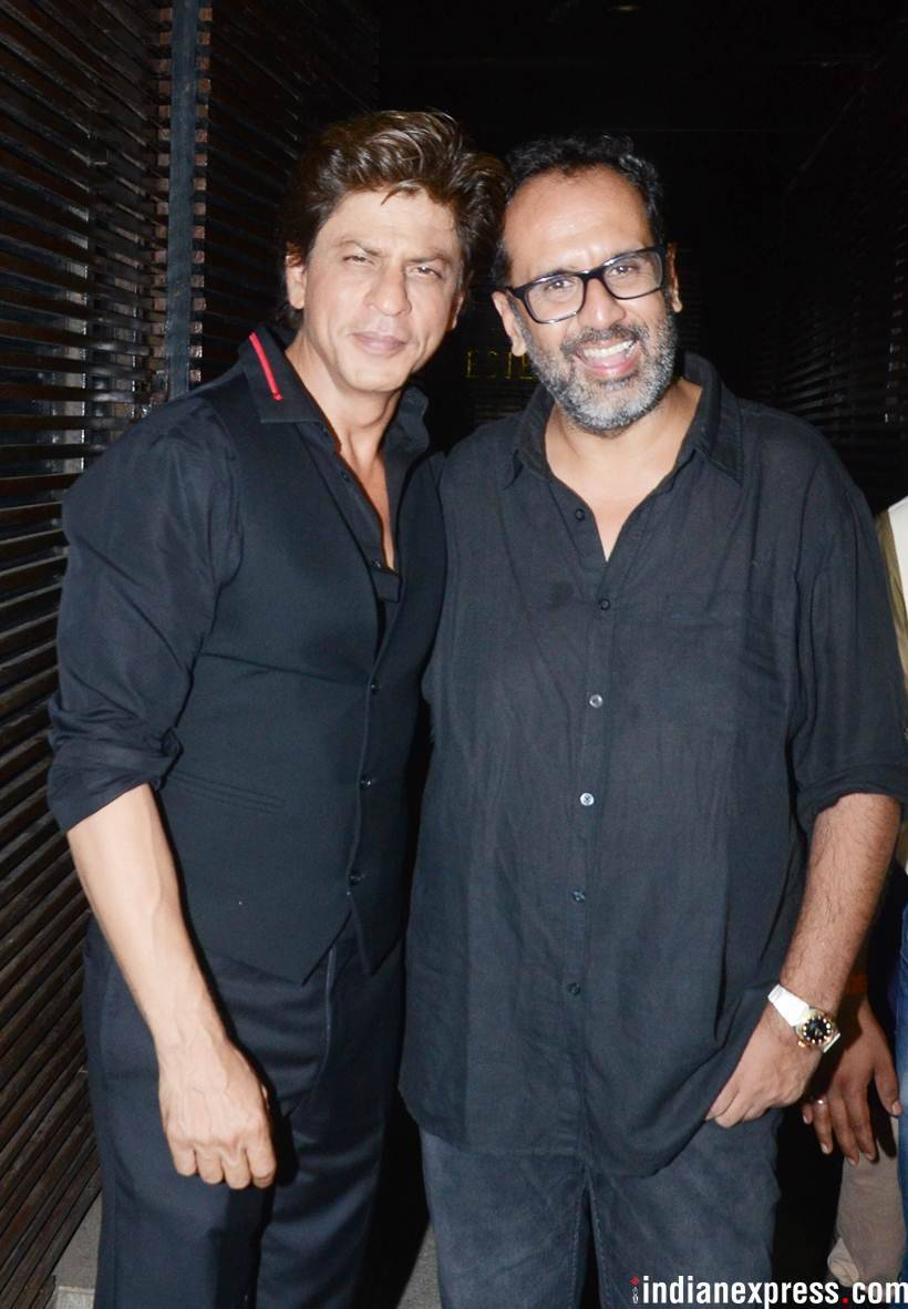 shah rukh and aanand L Rai pose