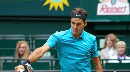 Roger Federer pushed hard by Matthew Ebden, advances to Halle semifinals