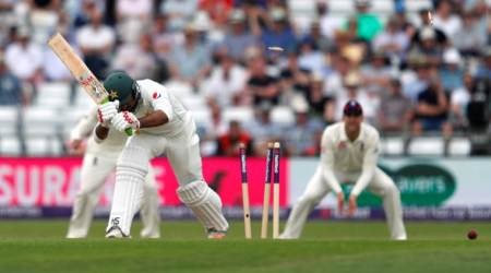 England vs Pakistan, 2nd Test: We are paying the price for posting a substandard first innings score, says MickeyArthur