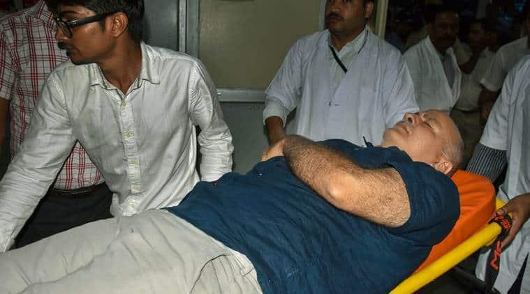 AAP sit-in at Raj Niwas: IAS officers, Arvind Kejriwal take 'two steps forward'