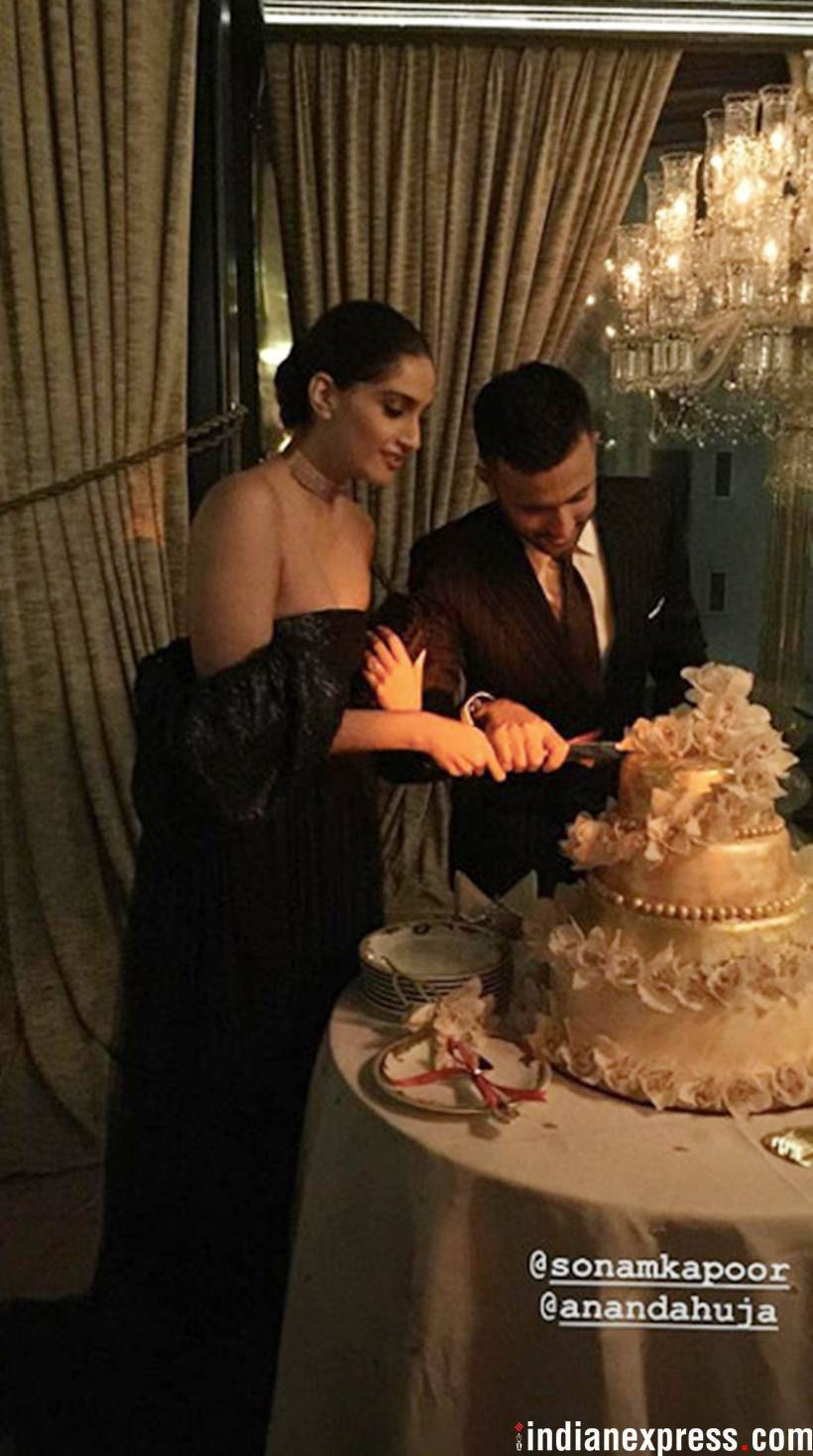 sonam and anand cutting cake
