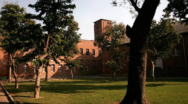shri ram college of commerce, rbi recruits, delhi university, micro economics, demand and supply, shri ram college of commerce teachers, delhi news, education, indian express