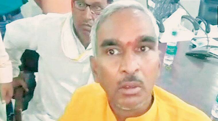 UP: BJP MLA Surendra Singh asks people to punch, throw shoes at officials who demand bribes