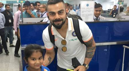 Virat Kohli leaves smile on child's face