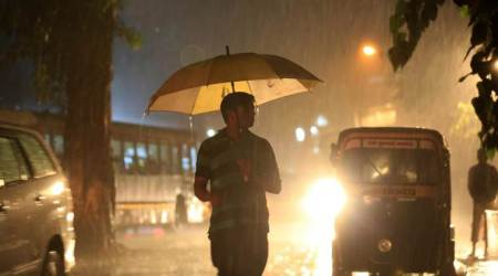 Mumbai receives pre-monsoon showers, dust storm brings down temperature in North India