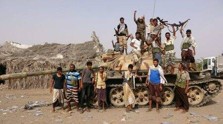 Saudi-led alliance set for battle in biggest Yemeni port