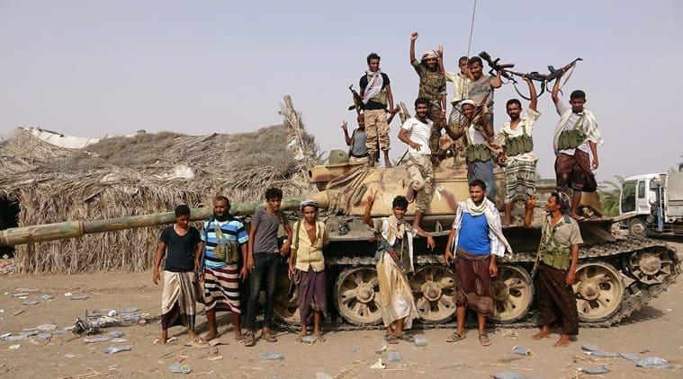 Saudi-led alliance set for battle in biggest Yemeni port