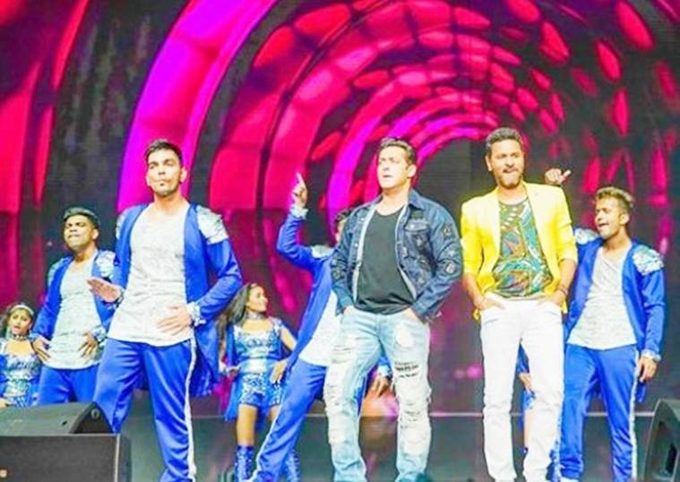 salman khan and prabhu deva at dabangg reloaded tour