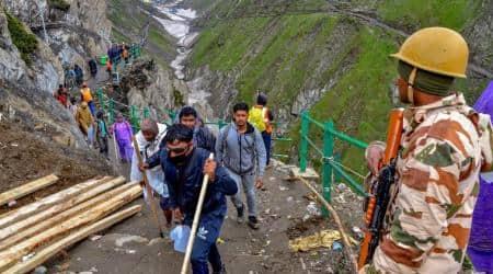 Amarnath Yatra resumes, 548 pilgrims leave forpilgrimage