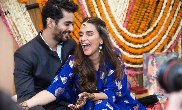 angad bedi neha dhupia wedding mehendi photos