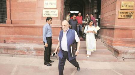 Delhi L-G Anil Baijal, Anshu Prakash meet Union Home Secy amid services row