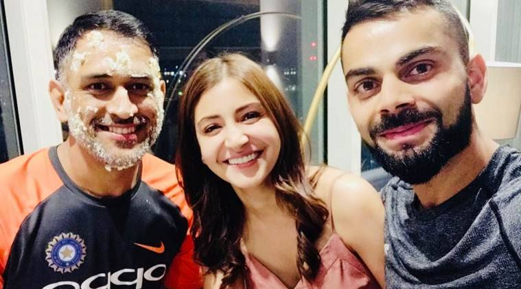 anushka sharma and virat kohli selfie