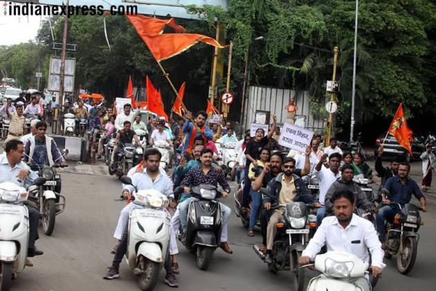 Marathas intensify protest for reservation on second day
