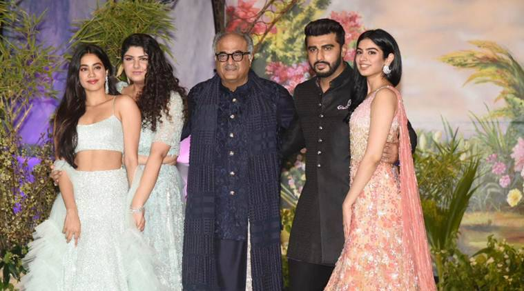 arjun kapoor, janhvi kapoor, boney kapoor family photo