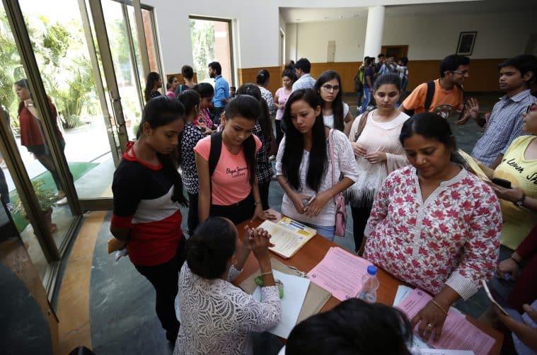 DU 4th cut-off 2018 LIVE Updates: Check Hindu College's ...