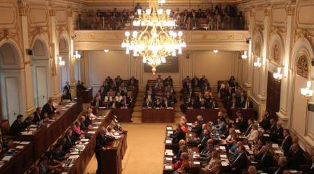 New Czech government wins confidence vote inParliament