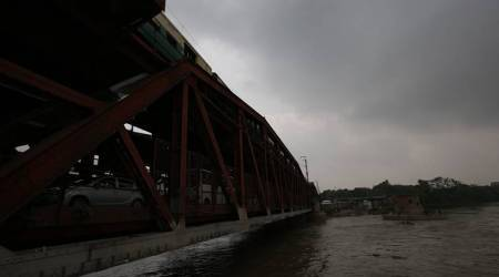 Delhi: Yamuna river crosses danger mark; 613 people evacuated
