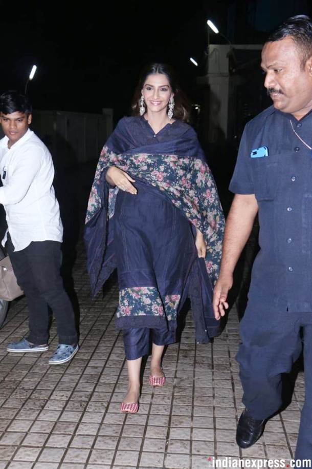 sonam kapoor at the dhadak screening