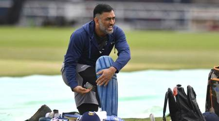After Virat Kohli, assistant coach Sanjay Bangar comes to MS Dhoni's defence
