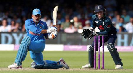 MS Dhoni booed by Indian spectators during 2nd ODI against England