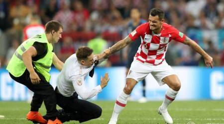 FIFA World Cup 2018: Pitch invaders halt World Cup final briefly