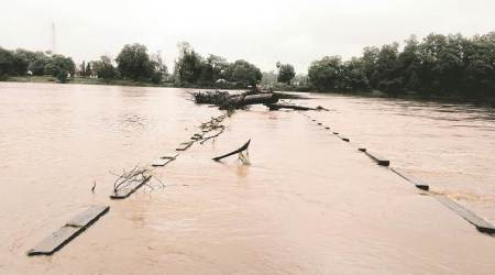 Maharashtra: Submerged bridges cut off Gadchiroli villages