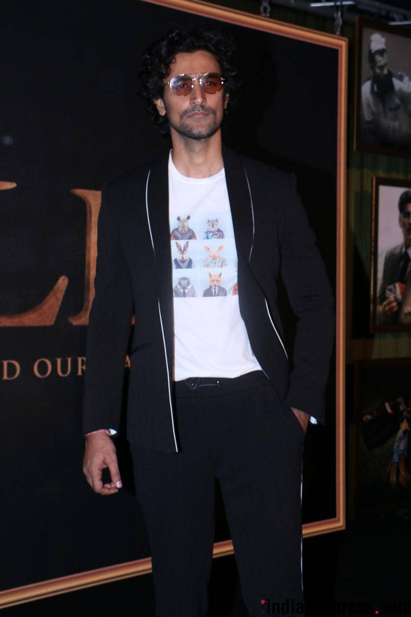 kunal kapoor in gold song launch event