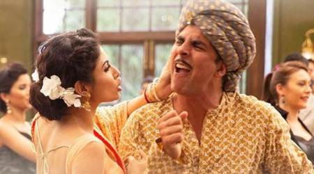 Gold song Chad Gayi Hai: Akshay's drunken dance embarrasses Mouni