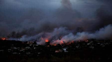 Greek wildfire kills at least 20 near Athens, residents fleehomes