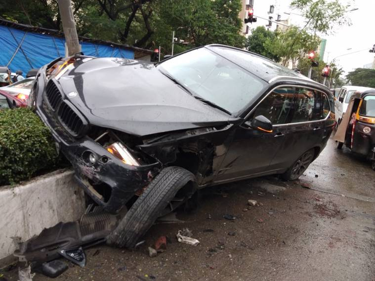 Tv Actor Sidharth Shukla Loses Control Of Bmw Rams Into Three Cars