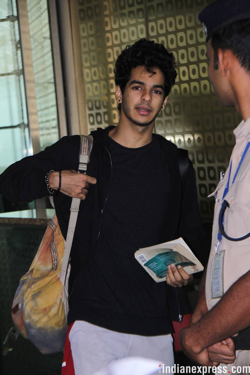 ishaan khatter at mumbai airport