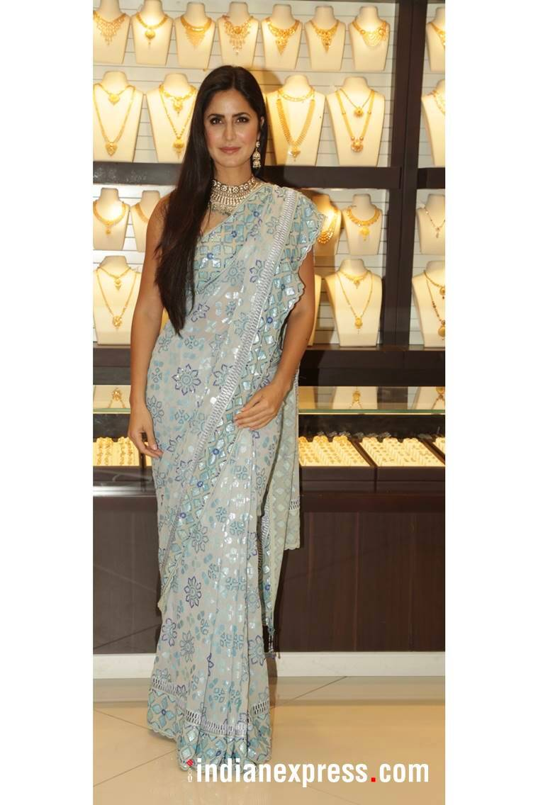Katrina Kaif, Katrina Kaif latest photos, Katrina Kaif fashion, Katrina Kaif Kalyan store launch, Katrina Kaif sari, Katrina Kaif ethnic outfits, indian express, indian express news
