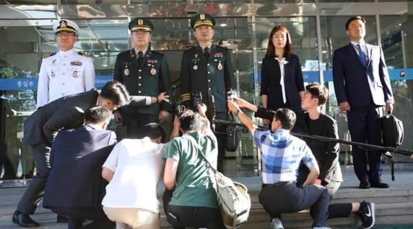 Generals from Koreas discuss easing military confrontation