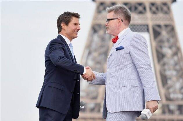 christopher mcquarrie and tom cruise in mission impossible fallout world premiere