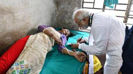 VIDEO: Woman injured at Modi's Midnapore rally asks for his autograph, PM obliges