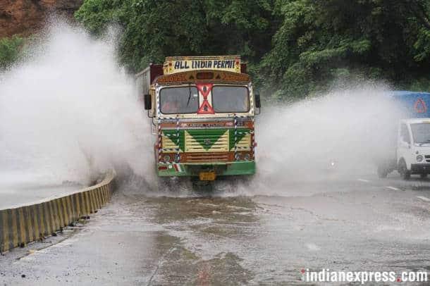 Heavy rains continue to lash Mumbai