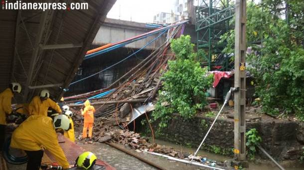 Part of Mumbai's Andheri bridge collapses, at least five injured