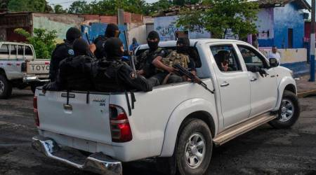 Nicaraguan police surround, attack anti-government stronghold