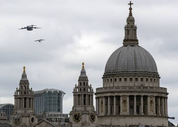 Queen Elizabeth pays tribute to mark 100 years of Royal Air Force