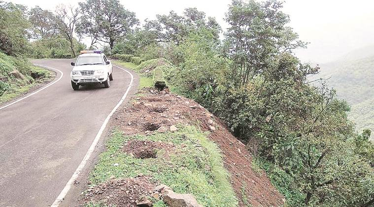 Bus Accident In Raigad Narrow Roads Near Tourist Hotspots