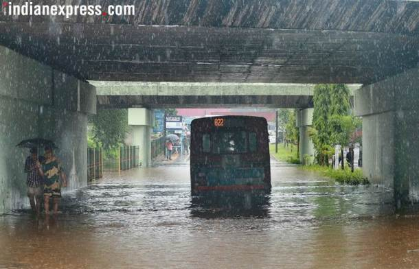 Heavy rains lash India, disrupt life in some cities