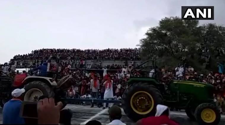 Tin shed collapses at a tractor race in Rajsathan