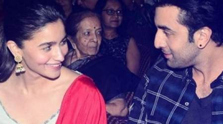 Ranbir Kapoor is the perfect gentleman as he offers a ride home to rumoured girlfriend Alia Bhatt