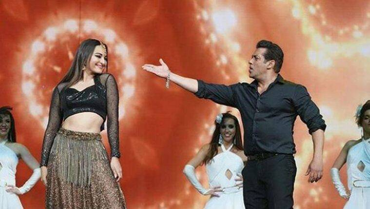salman khan dances with sonakshi sinha at dabangg tour